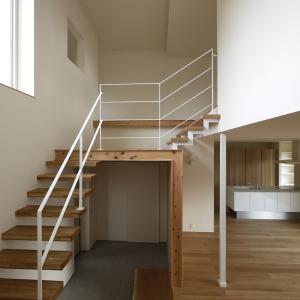 【注文住宅】シースルー階段の間取り・価格とバリエーションについて