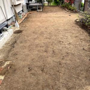 芝剥がし完了