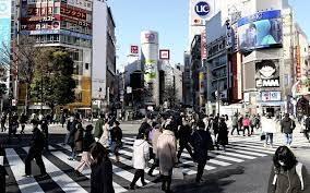 緊急事態下でも自由とプライバシー保護を求める異常な国日本