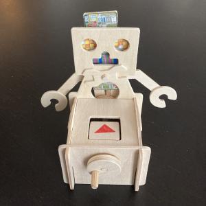 【ロボット貯金箱】手作りキットを買ってみた・夏休みの工作にも!