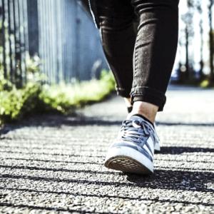 歩くときに意識するだけで痩せられる!ドローインウォーキング!