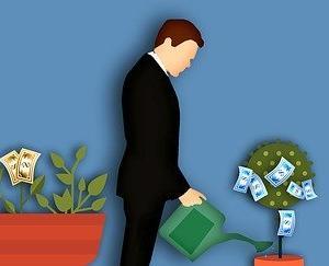 お金は後からついてくる?自己啓発で学ぶ投資の方法