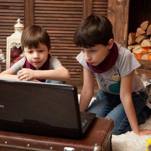 発達障害の子どもがユーチューブ、ゲームのやりすぎる!その対策は?【コミュニケーション編】