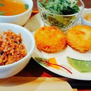 広島市中区紙屋町にある完全禁煙のカフェ「喫茶さえき」にビーガンランチを食べに行きました。