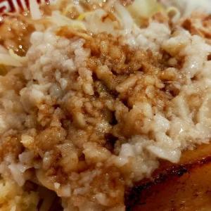 〒739-0622 広島県大竹市晴海1丁目6−1 ゆめタウン大竹内にある「ラーメン屋 階杉」さんの「杉二郎」は、ガッツリ太麺と濃くて美味しい豚骨系スープの二郎系ラーメンです。