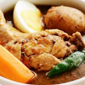 【ふるさと納税おすすめ】チキンが丸ごと入ったスープカレーが堪能できちゃう返礼品!