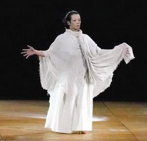 開会式の森山未来さんの舞踊