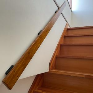狭い階段に手すりを安くDIY②