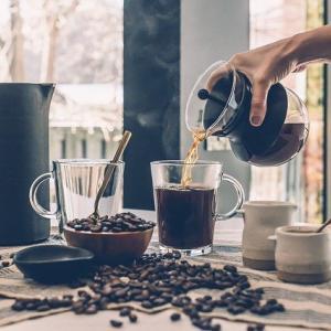 オートファジーにも効くコーヒーの若返り作用【空腹時に飲む美容液】