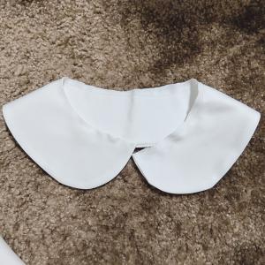 白色ブラウスの襟作り