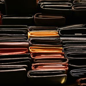【49人調査】ミニマリストが使う財布のブランドって何?【ハイブランド?】【女性14人メンズ35人まとめ】