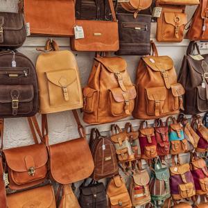 【49人調査】ミニマリストはカバン・バッグを何個持ってる?【平均は?】
