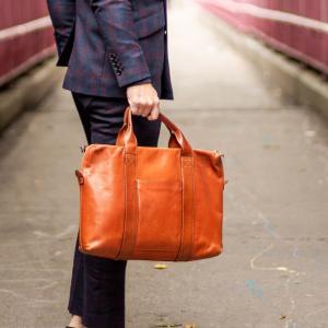 【14人調査】ミニマリストが使ってるトートバッグとは?【2way】