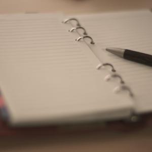 手帳には始まり月が色々あるのはどうして?100均の手帳も便利!