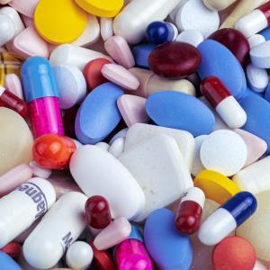 FDAに承認されたアルツハイマー病の新薬「アデュカヌマブ」とは?