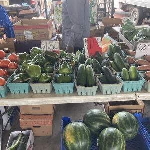 現地で人気のpublic marketへ!野菜と果物が激安!