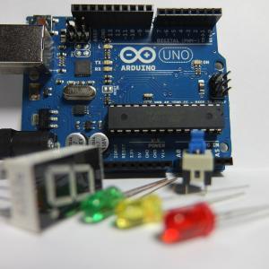 本家の Arduino の商品群、種類を確認してみよう