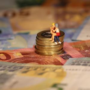 夫婦仲良くお金の運用をしよう【攻めのお金と守りのお金】