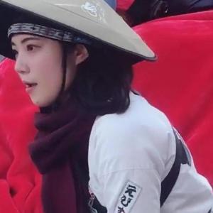 美女が引く人力車に乗って浅草観光しているのはだいたい中国人おばさん