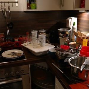なぜ服は洗濯機で皿は手洗い?ラクア導入で学んだ今こそ食洗機な理由