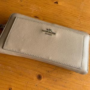 財布を整える