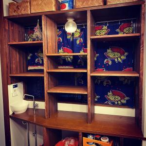 キッチン出窓カウンターを食器棚に (2020/09/14)