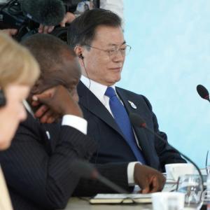 #韓国記事翻訳 『G7に参加したが対中批判には参加してないと誇るムン・ジェイン』、『中国に向かって尻尾を下げるようで情けない』