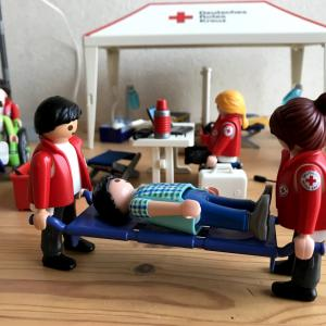 【プレイモービル】ドイツ赤十字の野営病院セット9537で遊ぶ