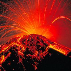 """【びっくり!】富士山が噴火?! 専門家が警鐘「富士山は300年ぶりの大噴火に向けた""""スタンバイ状態""""に入っています」"""