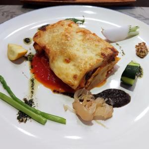根津 ブラッスリーリーヌ 温かいおもてなしとフレンチスタイルの魚介のラザニア