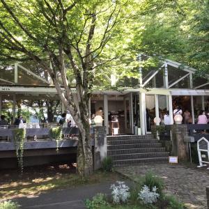 山中湖の人気ナンバーワンカフェ『PAPER MOON(ペーパームーン)』