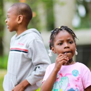 子供は何歳差がベストか、幼児期の負担から考える(4歳差がベスト)