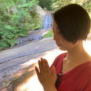 滝の音で瞑想