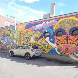 街のあちこちに「壁アート」