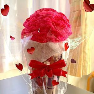 フェイスタオルで作った薔薇の花