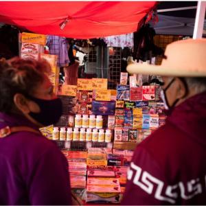 先進国なのに闇市場でコロナの薬(?)を買う人たち。