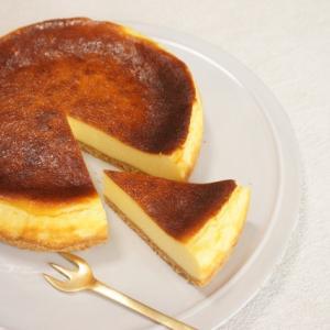 激ウマ!バスクチーズケーキの摸摸桃子洋菓子(もうもうたおず)