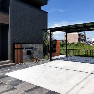 カッコイイ門柱デザイン新築外構完成です。