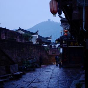 中国・湖南省の約500年続く街並み!何度でも行きたい湘西地方の鳳凰古城と芙蓉鎮を歩く【旅行】