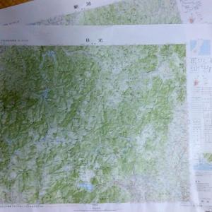 20万分の1地勢図を開いて頂上に憩うオジサンでありたい
