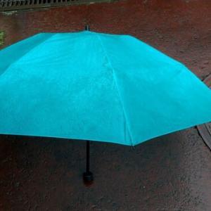 傘さしランニング