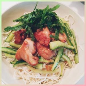 薬膳レシピ🍴夏至の日のそうめん🥒😋梅きゅうりと黒酢鶏肉をのせて***