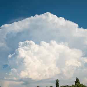 かなとこ雲発見!田舎の空は広い!