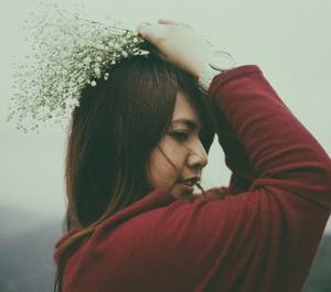 【頭皮悩みがある女性必見】頭皮トラブルと抜け毛の悩みを一気に解消する方法