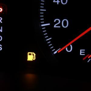 ガソリンランプの点灯と点滅の違いは?軽自動車での残量と走れる距離を調査!