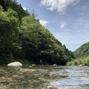 【油断すると危険!?】川遊びの注意点と対策と楽しみ方