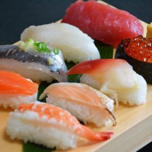 激安業務スーパーの握り寿司に思う