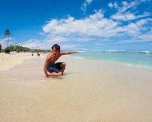 """Be Hawai'ian 57""子ども用スキムボードで大はしゃぎ(◍˃̶ᗜ˂̶◍)ノ"""