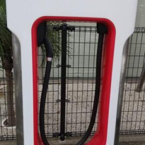 テスラ モデル3LFPバッテリー搭載車は100%充電が推奨されています