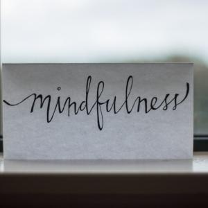 マインドフルネス瞑想の効果とやり方 毎日たった3分だけでOK